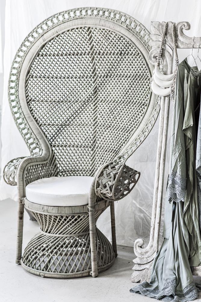 Peacock Chair Queen Size
