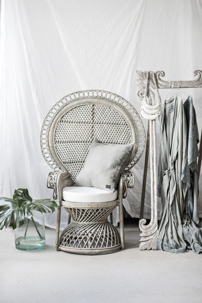 Peacock Chair Princess Size