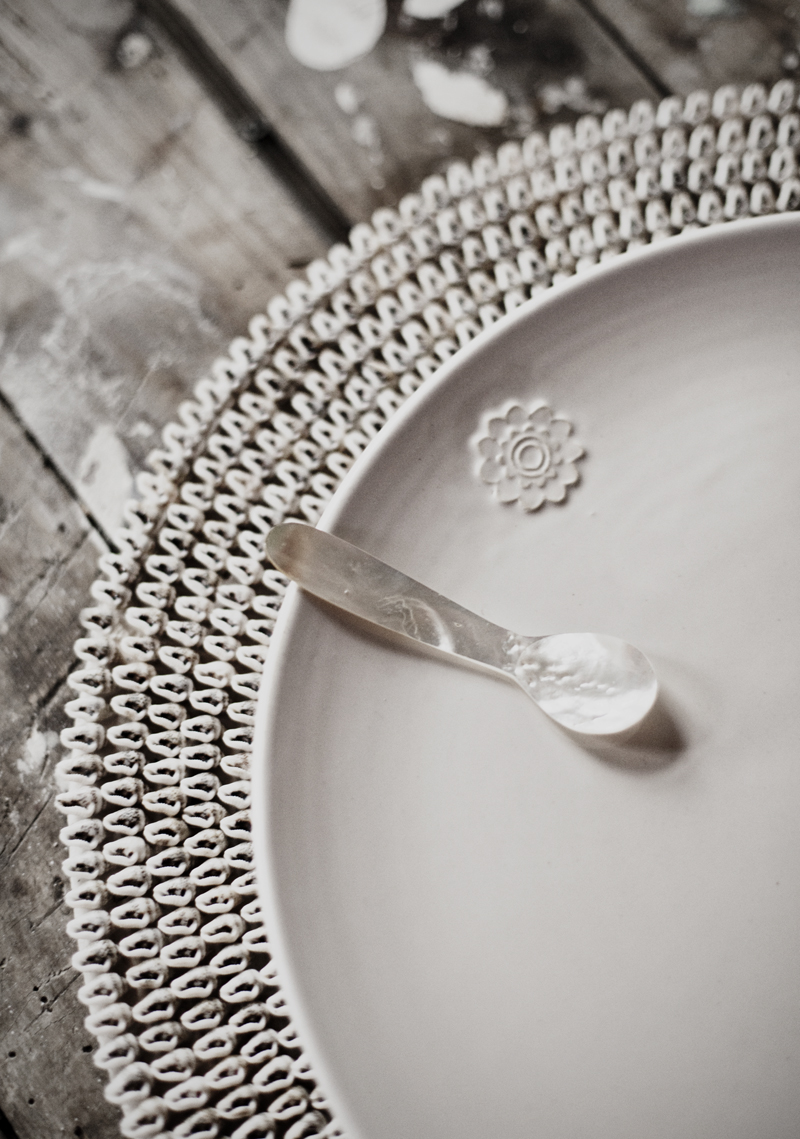 CeramicsShell&MotherOfPearlMoodDetail